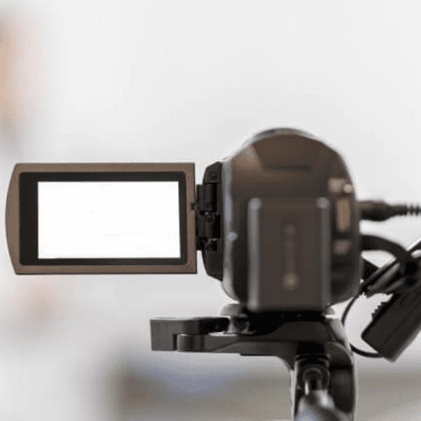 DVの証拠を撮影するカメラ