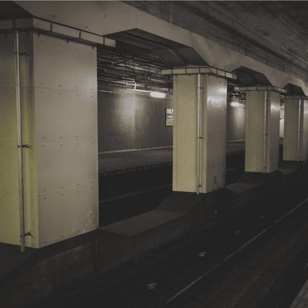 地下鉄の構内